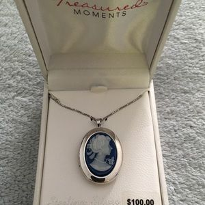 NWT Cameo Locket Necklace Sterling Silver